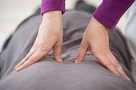 Découverte massage Shiatsu (libre de droit)