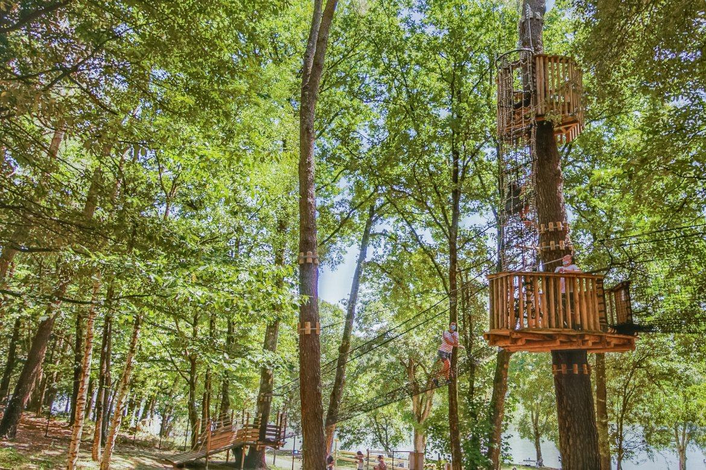 Moulin Neuf Aventure parcours dans les arbres ©Patrice GOUPIL - Morbihan Tourisme (2)